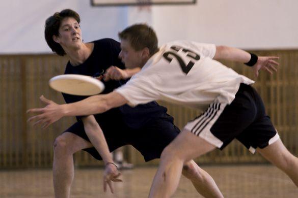 Jaký byl první turnaj Středoškolské frisbee ligy